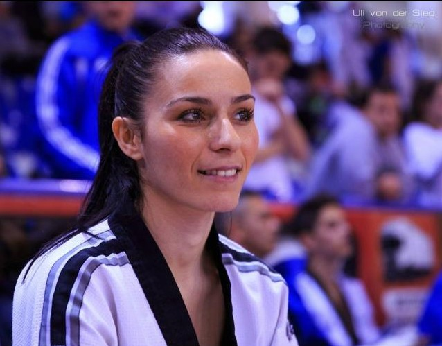 ioanna koutsou foto-profil