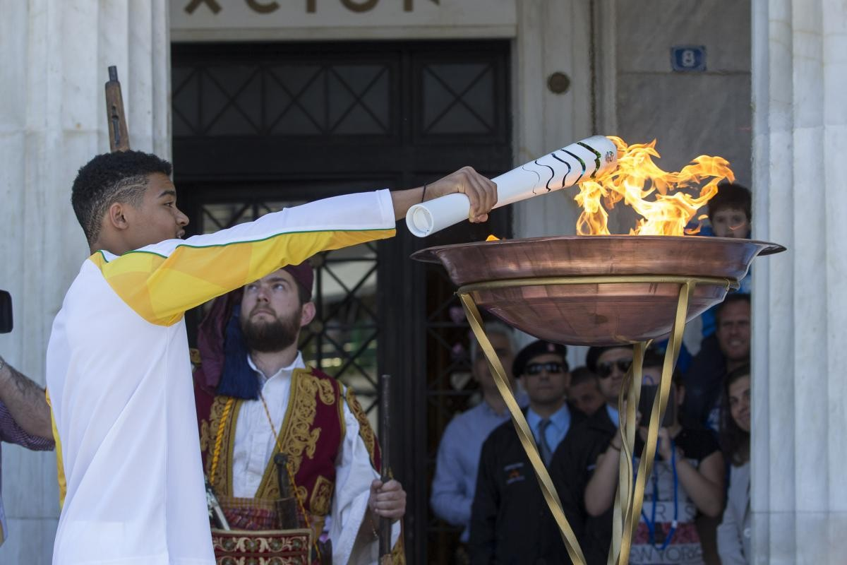 olympiaki floga lampa2