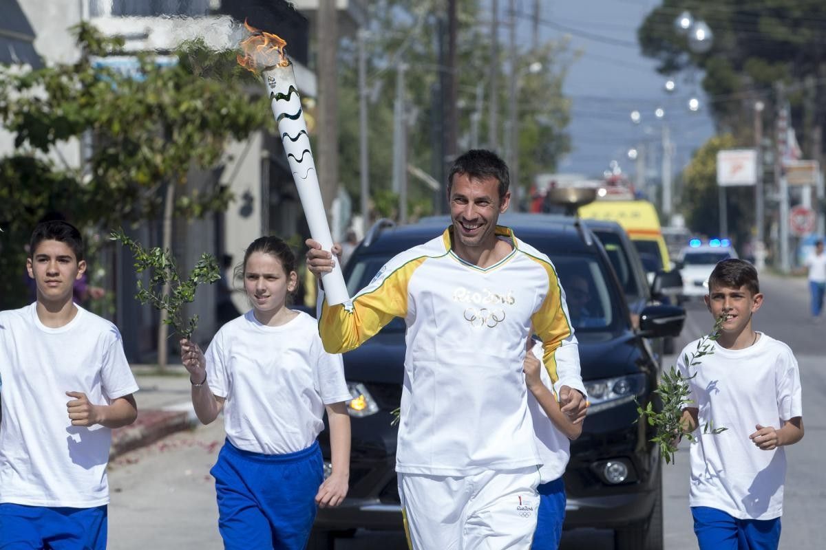 olympiaki floga lampa3